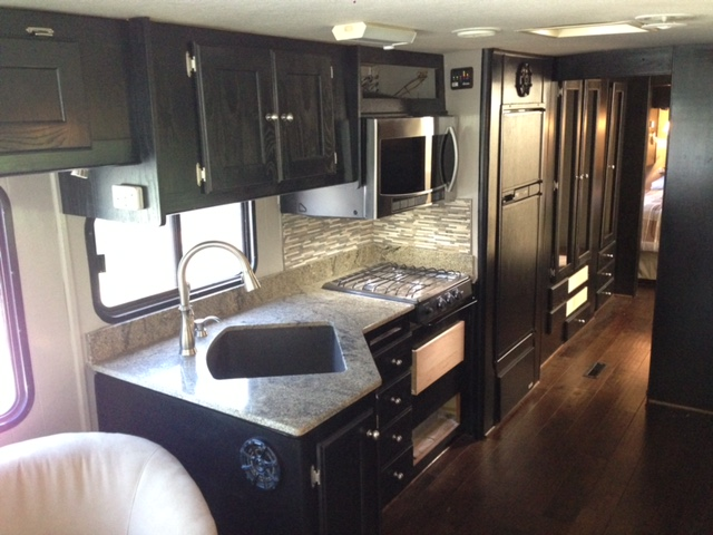 We Are Committed To Making The Kitchen Remodeling Process Easy, Fun, And  Engaging.